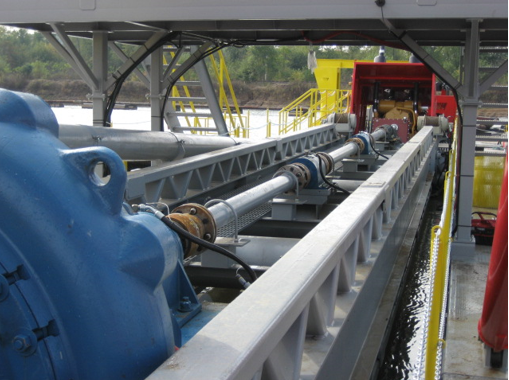 Custom gearbox used in dredging application